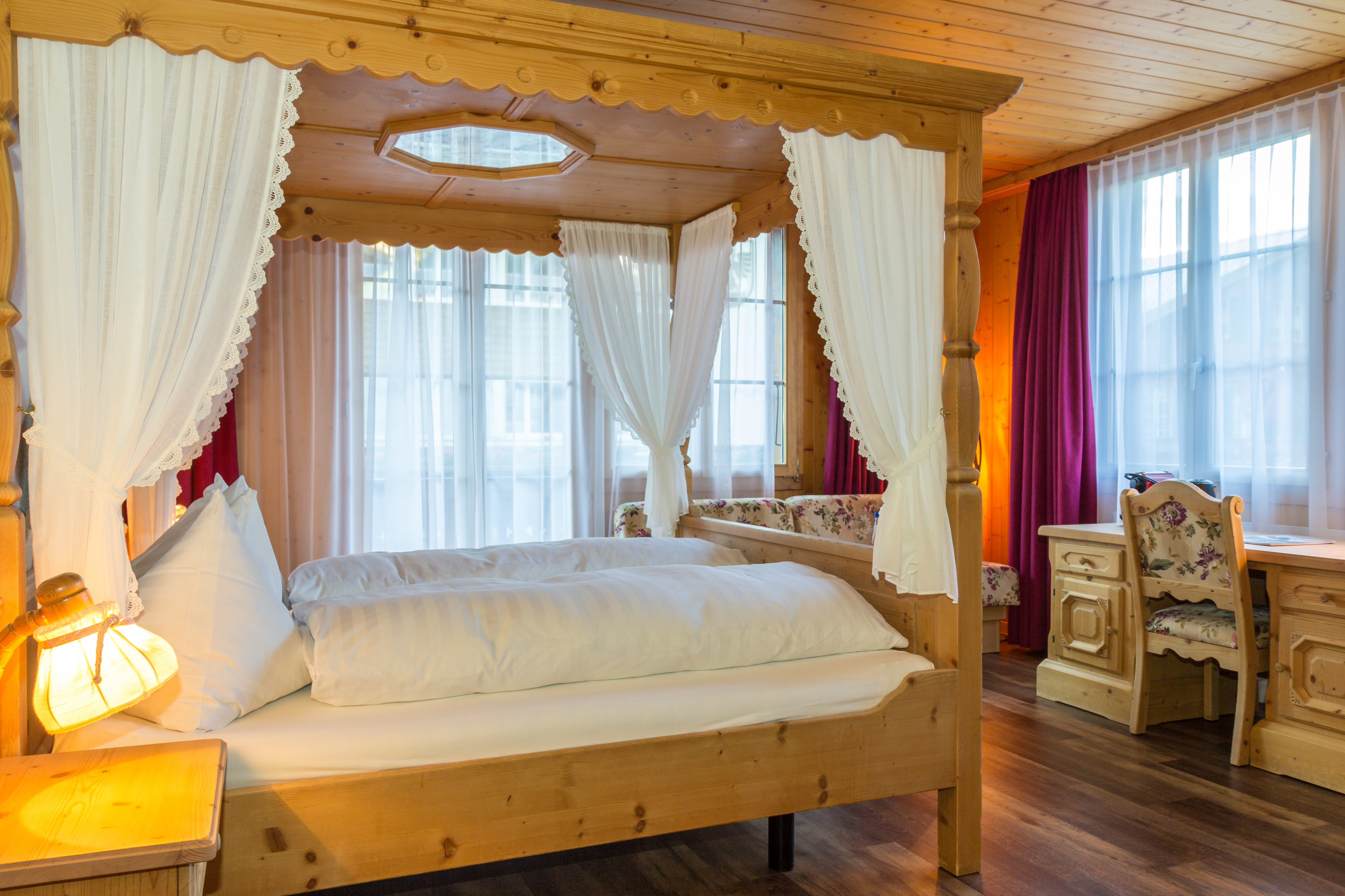Himmelbett Doppelzimmer Hotel Bären
